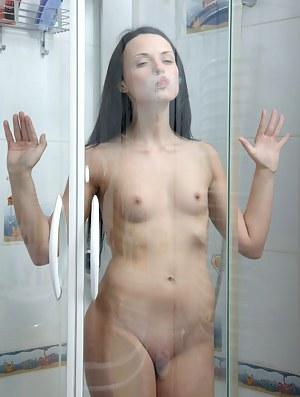 XXX Teen Shower Porn Pictures