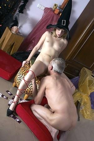 XXX Teen Cosplay Porn Pictures